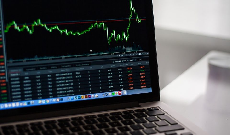stock-trading-chart-screen